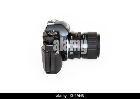 Vivitar V2000 SLR 35mm roll film camera, 28-70mm zoom lens, 1980s, isolated against a white background - Stock Photo