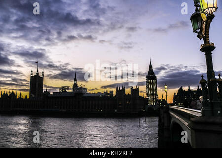 London, UK. 12th Nov, 2017. London UK. 12th November 2017. Palace of Westminster and Elizabeth tower are silhouetted - Stock Photo