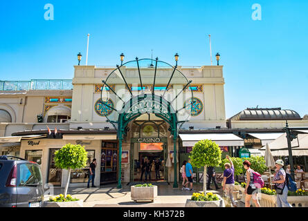 the casino cafe de paris in monte carlo, monaco, france. - Stock Photo
