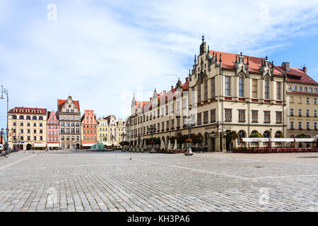WROCLAW, POLAND - SEPTEMBER 12, 2017: view of central Market Square (Rynek) in Wroclaw city in autumn. Wroclaw is - Stock Photo