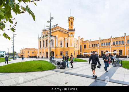 WROCLAW, POLAND - SEPTEMBER 12, 2017: people on square near Railway Station in Wroclaw city. Wroclaw is the largest - Stock Photo