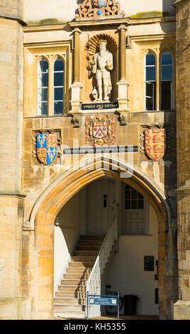 Trinity College Great Court and water fountain at Cambridge University. Cambridgeshire England UK - Stock Photo
