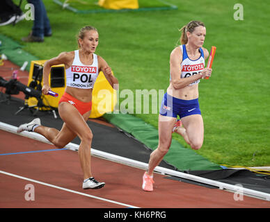 Alexandra Gaworska (Poland) and Eilidh Doyle (Great Britain) - 4x400 relays women - IAAF World Championships - London - Stock Photo