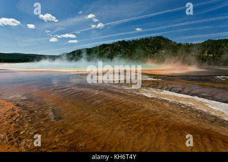 WY02598-00...WYOMING - Grand Prismatic Pool, a colorful hot spring in Midway Geyser Basin area of Yellowstone National - Stock Photo