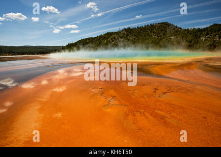 WY02599-00...WYOMING - Colorful algea at Grand Prismatic Spring in the Midway Geyser Basin of Yellowstone National - Stock Photo