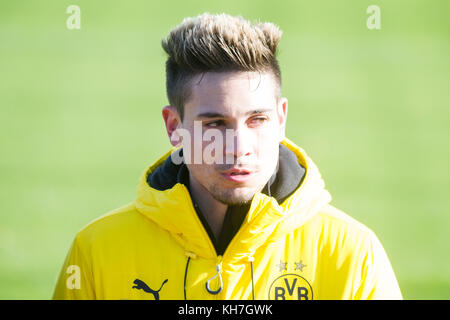 Raphael GUERREIRO (DO),  Fussball 1. Bundesliga, Training, Borussia Dortmund (DO) am 13.11.2017 in Dortmund/ Germany. - Stock Photo