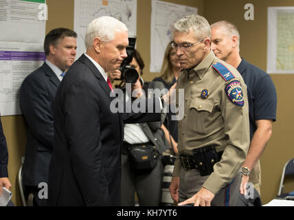 Austin, USA. 15th Nov, 2017. U.S. Vice President Mike Pence greets Texas Department of Public Safety Director Steve - Stock Photo