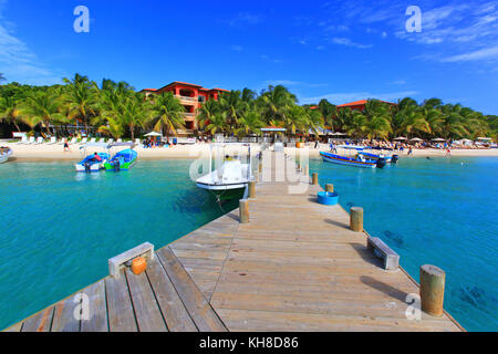Honduras, Islas de la Bahia, Roatan Island. West Bay. Mahogany Bay - Stock Photo