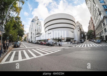 Solomon. R. Guggenheim Museum, 5th Avenue, Manhattan, New York City, NY, United States of America. U.S.A. - Stock Photo