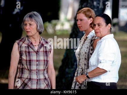 Abschied - Brechts letzter Sommer, Deutschland/Polen 2000, Regie: Jan Schütte, Darsteller: (v. l.) Elfriede Irrall, Birgit Minichmayr, Monica Bleibtreu