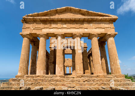 Temple of Concordia, Valley of the Temples, Agrigento, Sicily, Italy. Doric Style Greek temple, notably the UNESCO - Stock Photo