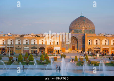 Sheikh Lotfollah Mosque and fountain seen from the palace Ali Qapu, Isfahan, Iran - Stock Photo