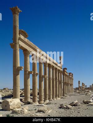Syria. Palmyra city. The Great Colonnade. Roman Empire ruins. Tadmur, Homs. Photo before Syrian Civil War. - Stock Photo