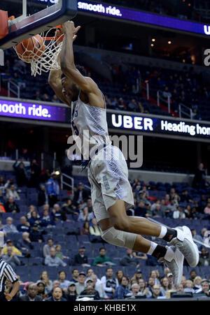 Washington, DC, USA. 12th Nov, 2017. 20171112 - Georgetown forward ANTWAN WALKER (5) dunks against Jacksonville - Stock Photo