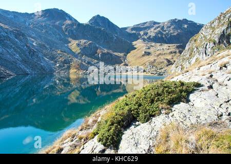 lake toma: source of the rhine *** Local Caption *** switzerland, graubünden, oberalppass, tomasee, lai da tuma, - Stock Photo