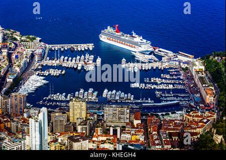 Principauté de Monaco (98). Monte-Carlo. Le port Hercule. Vue aérienne // France. Principality of Monaco (98). Monte - Stock Photo