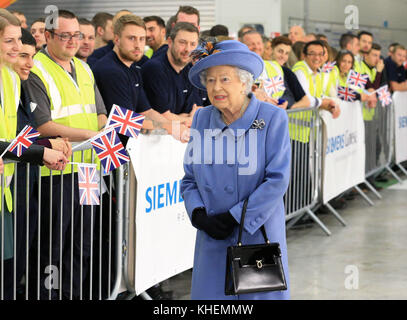 Queen Elizabeth II during a visit to the Siemens Gamesa Renewable Energy wind turbine blade factory in Hull, during - Stock Photo