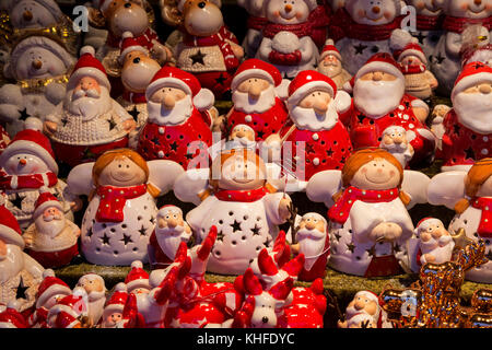 Oberhausen, Ruhr Area, Germany. 16 November 2017. The Centro Christmas Market opens. Christkind and Santa Claus - Stock Photo