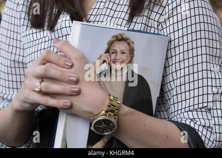 Admirer of former First Lady, Secretary of State, and 2016 Democratic presidential candidate Hillary Rodham Clinton - Stock Photo