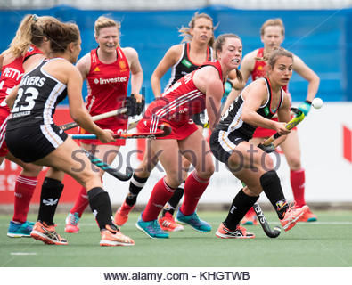 Auckland, New Zealand. 18th Nov, 2017. The German player Lisa Altenburg (R) during the women's hockey World League - Stock Photo