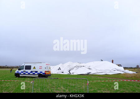 Bedfordshire UK, 18th November 2017. Disaster for the Worlds largest Airship, the AIRLANDER 10  which is thought - Stock Photo