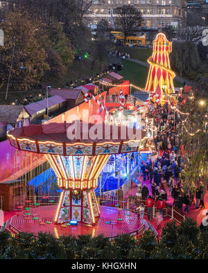 Edinburgh, Scotland, United Kingdom. 18th Nov, 2017. Opening day of Edinburgh's popular and beautiful Christmas - Stock Photo