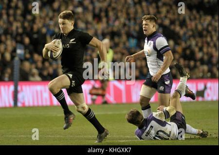 Edinburgh, UK. 18th Nov, 2017.  Scotland v New Zealand at Bt Murrayfield. Pictured Barrett scores New Zealand's - Stock Photo