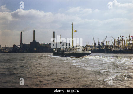 Deptford Power Station and Deptford Wharf on the banks of the River Thames, South London. Image taken in 1972. - Stock Photo