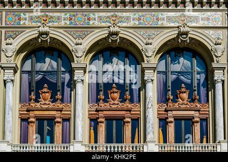 Principauté de Monaco (98). Monte-Carlo. Le Casino détail d'architecture // France. Principality of Monaco (98). - Stock Photo
