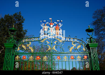 Priory Park gates recently restored. Victoria Avenue, Southend on Sea, Essex. Presented by RA Jones to the borough - Stock Photo