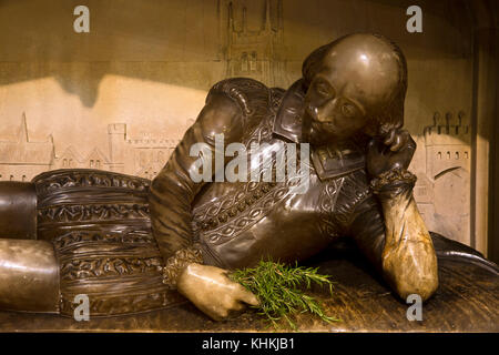 UK, London, Southwark Cathedral, 1912 alabaster William Shakespeare memorial by sculptor Henry McCarthy, holding - Stock Photo