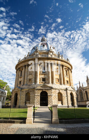 UK, Oxford, Radcliffe Camera, 18th century, Palladian style academic library and reading rooms, designed by James - Stock Photo