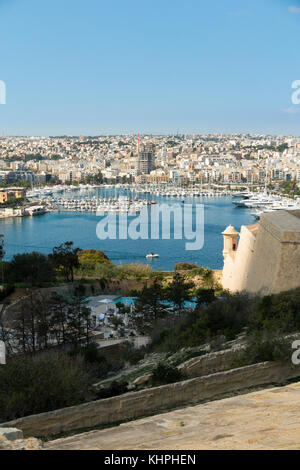 Looking over Marsamxett Harbour to Ta' Xbiex in the distance on the left,& Manoel Island & Manoel Yacht Marina on - Stock Photo