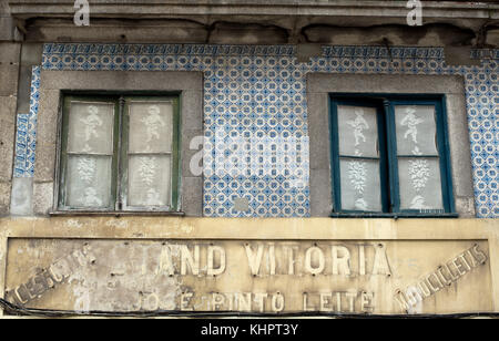 Close up of old building and shop front on the Rua da Picaria road in Porto, Portugal - Stock Photo