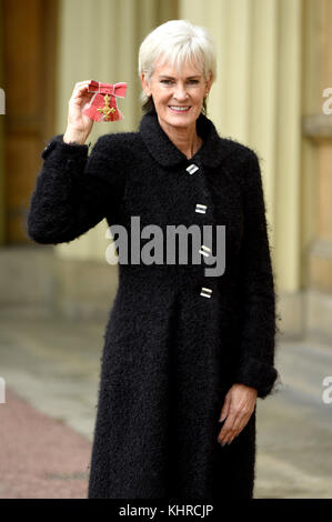 Photo Must Be Credited ©Alpha Press 079965 10th November 2017 Judy Murray Investitures At Buckingham Palace London - Stock Photo