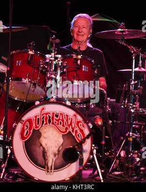 POMPANO BEACH, FL - FEBRUARY 10: Monte Yoho of The Outlaws performs at The Pompano Beach Amphitheater on February - Stock Photo