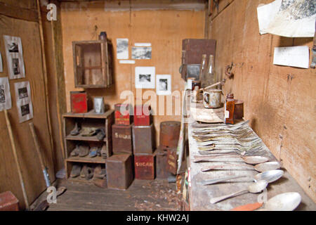 Artefacts inside the old ski hut on Twilight Tarn in Mt Field National Park - Stock Photo