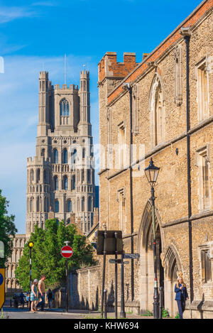 Ely Bishops Gatehouse, the Bishop's Gatehouse wall and the west tower of the cathedral viewed from the street known - Stock Photo