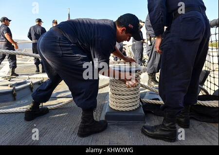 171114-N-QR145-045  NAVAL SUPPORT ACTIVITY SOUDA BAY, Greece (Nov. 14, 2017)   Electronics Technician 2nd Class - Stock Photo