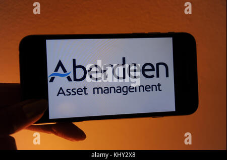 The Aberdeen Asset Management website on a mobile phone - Stock Photo