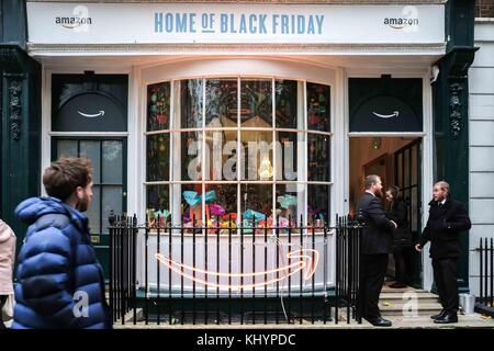 London, UK. 21st Nov, 2017. London 21st November 2017.Online retailer Amazon opens a pop- up shop in Soho Square, - Stock Photo