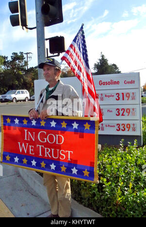 man named tom demonstrates for god and country in calif - Stock Photo