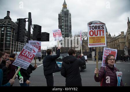 London, UK. 22nd November, 2017. Student demonstrators protest in Westminster on Budget Day on 22nd November 2017 - Stock Photo