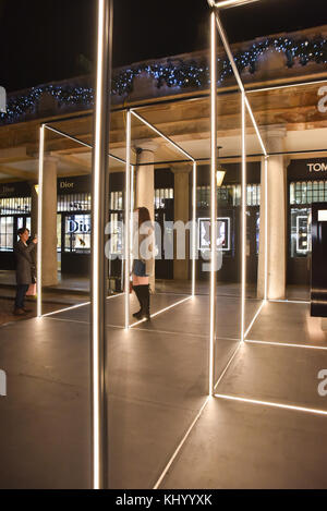 Covent Garden, London, UK. 22nd November 2017. Tom Ford beauty and fragrance store opens in Covent Garden, London. - Stock Photo