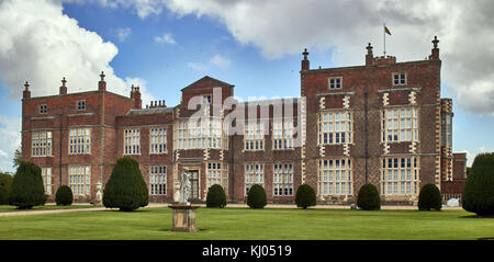 England, East Riding of Yorkshire, Skirlaugh area, Burton Constable Hall, large Elizabethan country house in a park - Stock Photo
