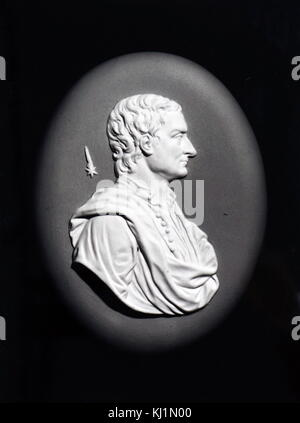 Wedgewood medallion depicting Sir Isaac Newton on Blue Jaspar Ware. Sir Isaac Newton (1642-1727) a British scientist. - Stock Photo