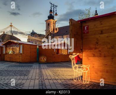 2017 Christmas market in Sibiu main square, Transylvania, Romania - Stock Photo