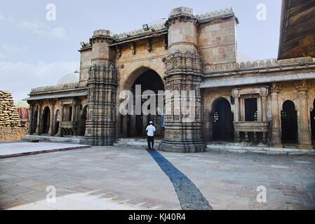 Mosque of Sultani, near  Dada Hari Ni Vav step well. Asarwa, Ahmedabad, Gujarat, India - Stock Photo