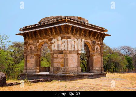 Partial view of a dome near Nagina Masjid (Mosque), built with pure white stone, UNESCO protected Champaner - Pavagadh - Stock Photo