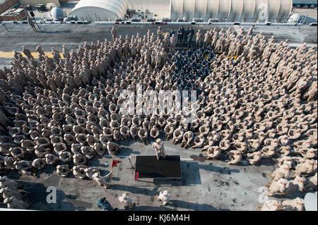 JEBEL ALI, United Arab Emirates (Nov. 10, 2017) Lt. Gen. William D. Beydler, commander, Marine Forces Central Command, - Stock Photo